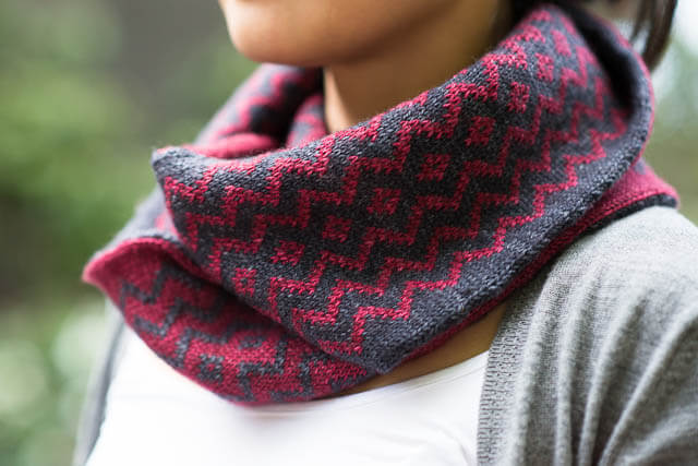 Bloodwood Cowl by Mitenae, knit in CashLuxe Fine (Oxblood and Charcoal)