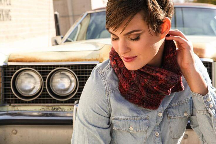 Join Felicia Lo's Chunky Cabled Cowl Knit-Along!